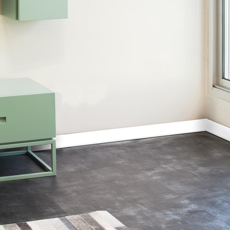 plinthe d corative en pvc facile d couper et poser blanche 99 d co. Black Bedroom Furniture Sets. Home Design Ideas
