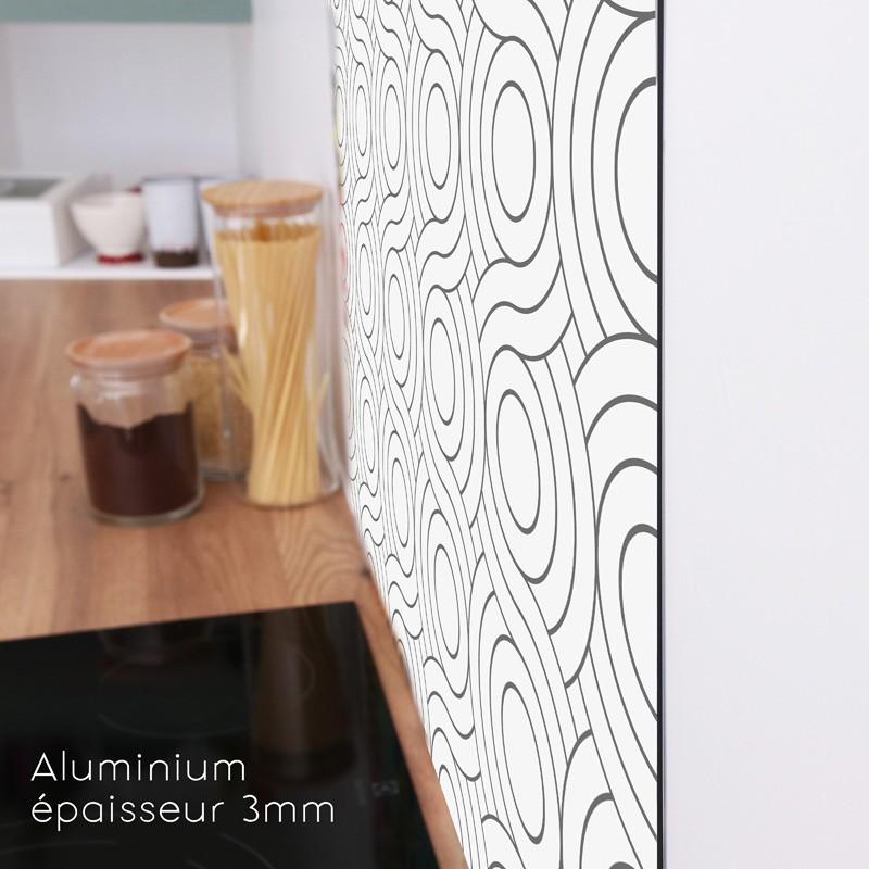 Une crédence au profil discret pour un rendu très esthétique dans votre cuisine
