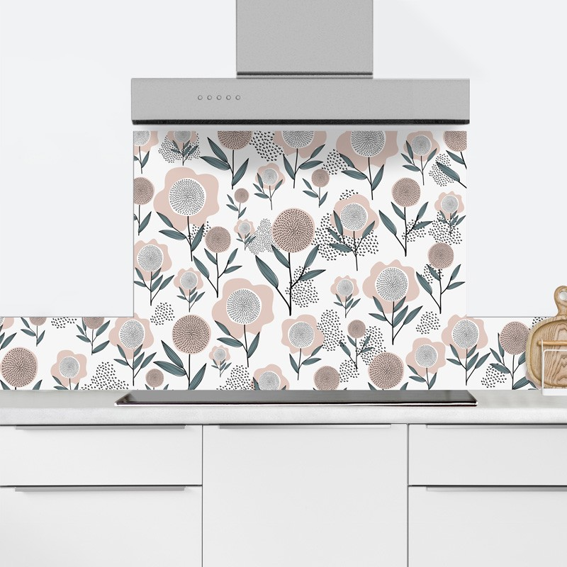 Une pluie de fleurs pour cette belle crédence de cuisine en aluminium