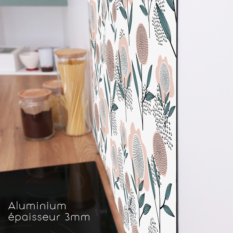 Une finition mate et un profil discret pour cette crédence en aluminium composite